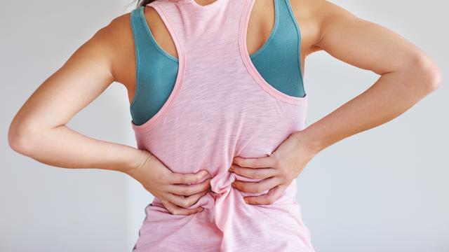 Протрузія міжхребцевих дисків, її симптоми та причини